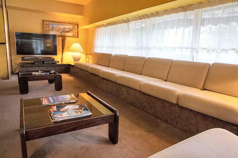 salon tv hotel sainte suzanne lourdes